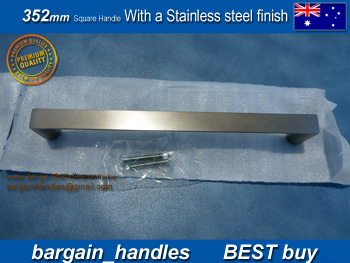 Square Handle / D-Square with a stailess steel finish